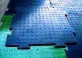 Монтаж напольных ПВХ и резиновых покрытий